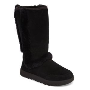 NWT UGG Sundance Waterproof Boot $250 Black 6